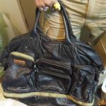 旅行に最適なディーゼルの本革バッグ