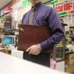 毎日仕事で使用しているバーミンガム社製のバッグです。