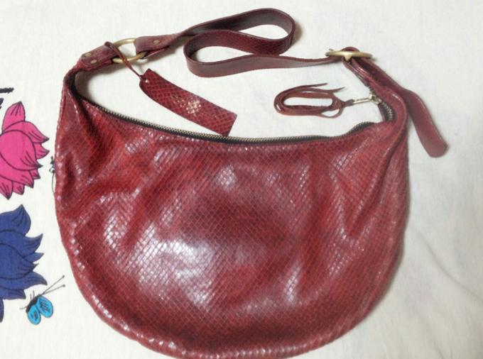 『saranam』のバッグ