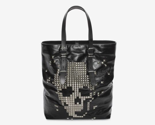 BLACK CALF LEATHER OPEN SHOPPER WITH STUDDED SKULL FRONT
