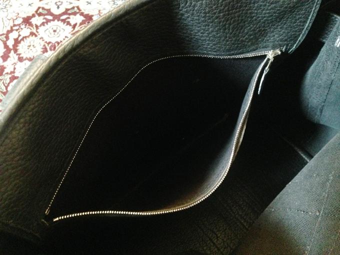 内側のポケットの金具