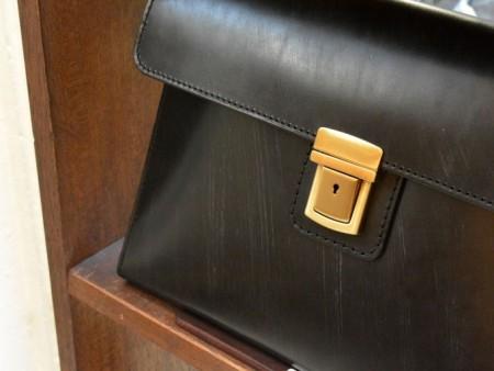 ヘルツブライドルレザービジネスバッグ