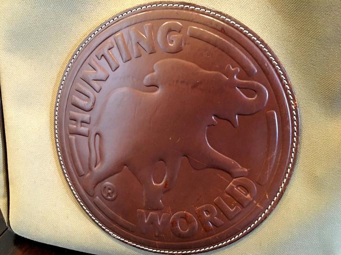 トートバッグのインパクトはハンティングワールドの代名詞である仔象のマーク