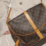 ルイヴィトンのダブルポケットの大きめなショルダーバッグ