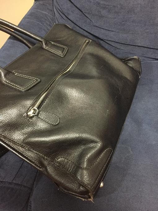 バッグの外見がいびつ