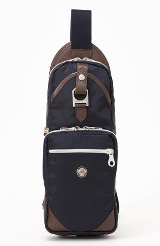 b61c61236e79 高級ナイロン素材のボディバッグを人気のブランドから8選 - 【OGA】大人 ...