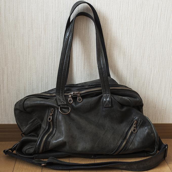 内容物の形や量でバッグの見え方が変わる