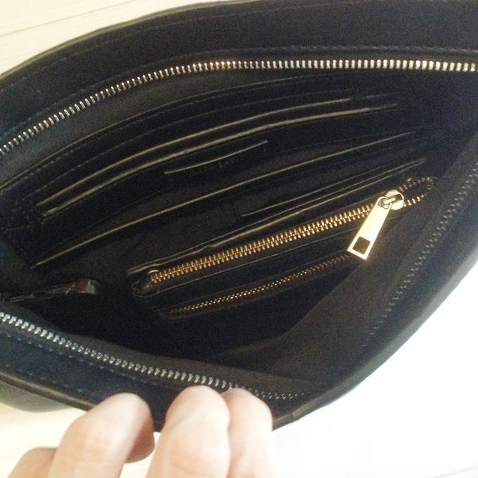 スマホ、長財布、キーケースを入れてまだ少しゆとりがある