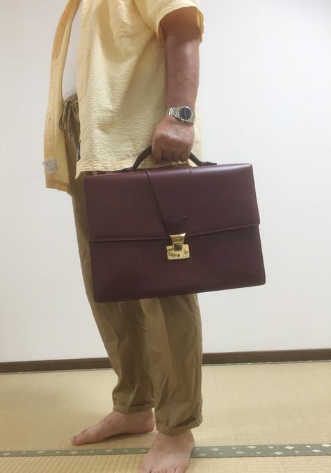 カルティエのトラディション(伝統的)で、マストラインのビジネスバッグ