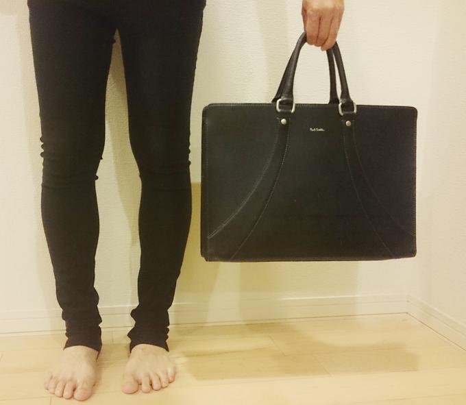 店頭に数多くのバッグが並んでいる中でデザインに一目惚れ