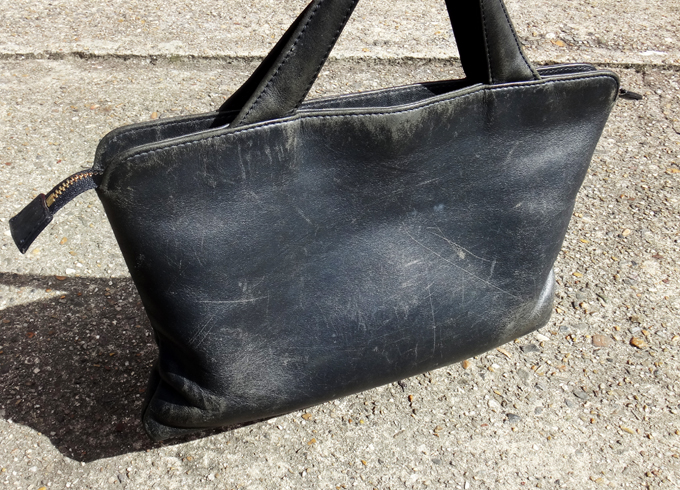 TRION(トライオン)ハンドバッグの経年変化