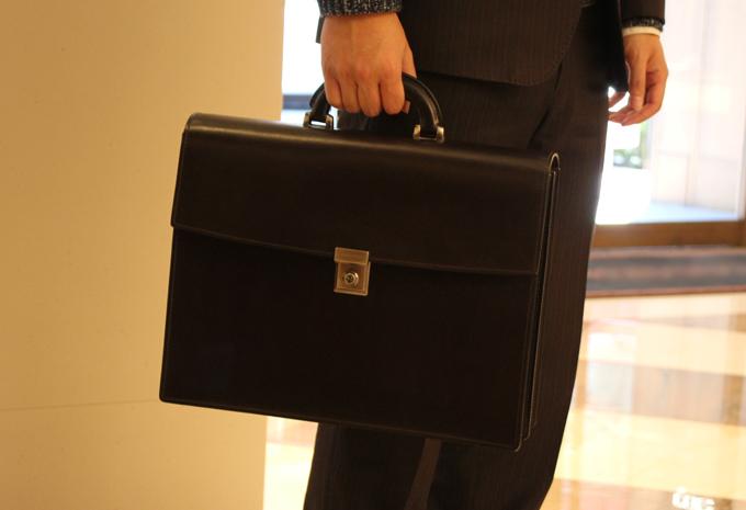 いかにもデキる男のビジネスバッグ