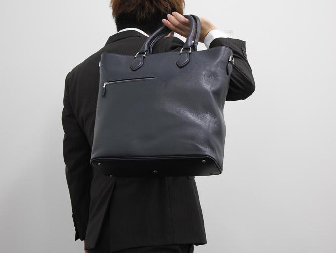 1つ1つの要素がエレガントで、質の高いバッグ