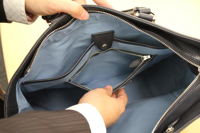 細かいポケット類もとにかく充実