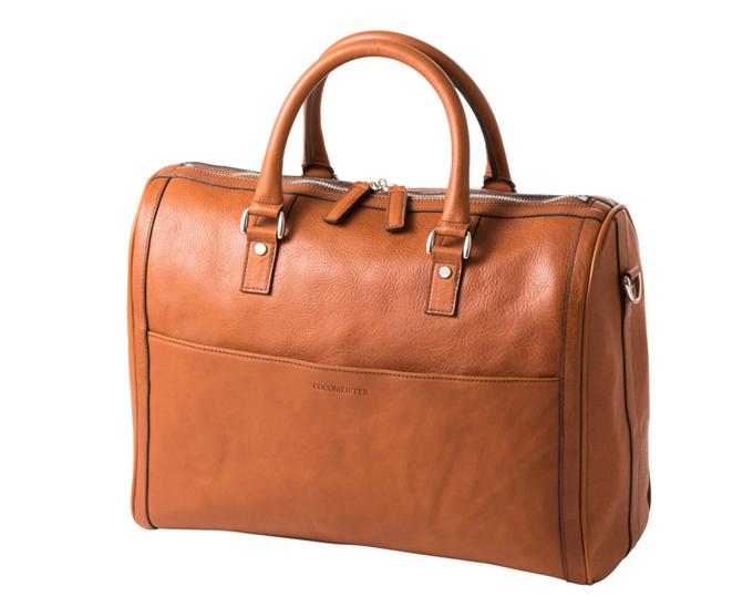 バッグの形状は、とても安定感に優れている