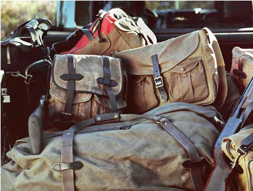 劣悪極まりない環境にも耐え得る服や鞄