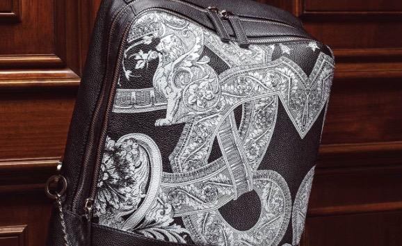 ヴェルサーチは、イタリア発の官能的でラグジュアリーな超高級ブランド