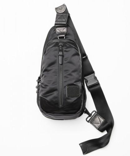 EXCLUSIVE COCOON BODY BAG