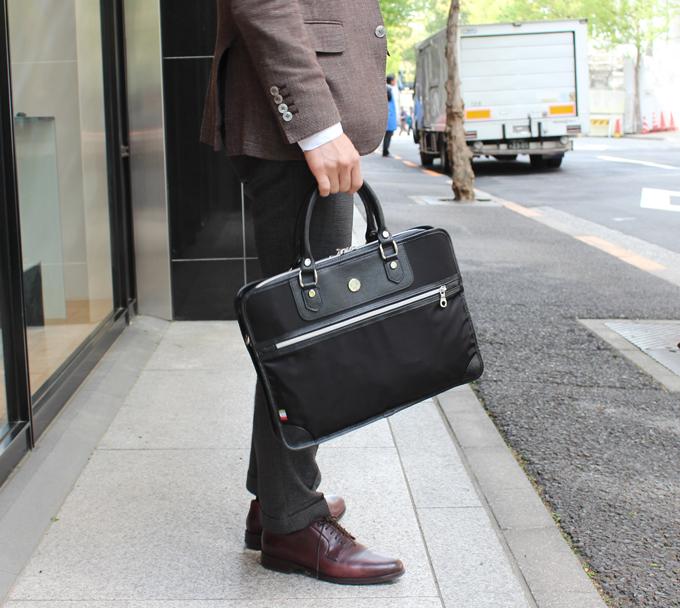オロビアンコの定番ビジネスバッグ(ZEA-F)をレビュー