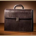 サラリーマンにおすすめなバッグを人気のブランドから24選