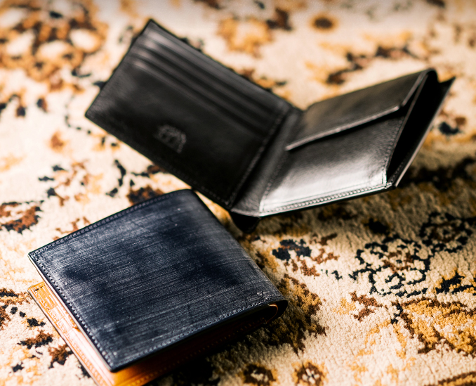25e09e06e7f6 メンズ二つ折り財布】おすすめブランドから32選!各人気1位が勢ぞろい ...