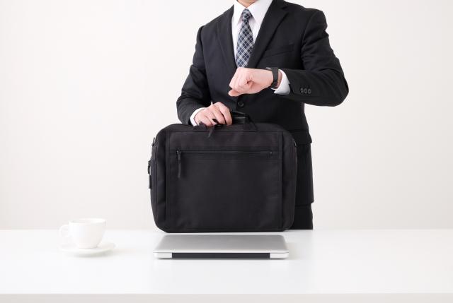 ビジネスバッグの相場と機能性別おすすめの選び方