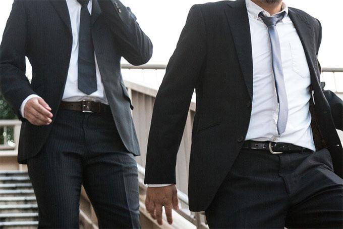 ビジネススーツに似合うベルト