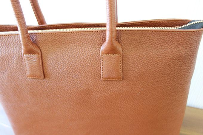 レザーのバッグ