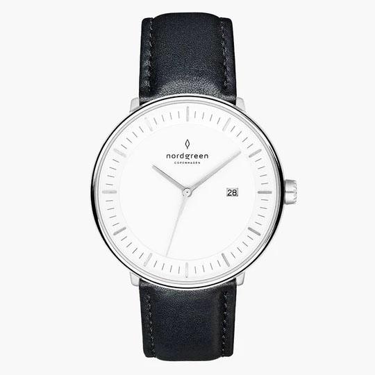 アナログ式の腕時計が〇