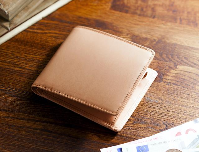 パティーナ二つ折り財布